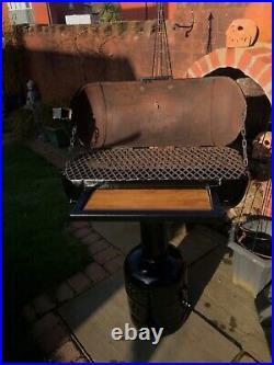 Bbq charcoal grill smoker